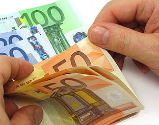 'Verzekeringssector zorgelijk'