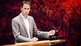 Kamerlid Michiel van Nispen (SP) stelt Kamervragen over gerechtsdeurwaarders