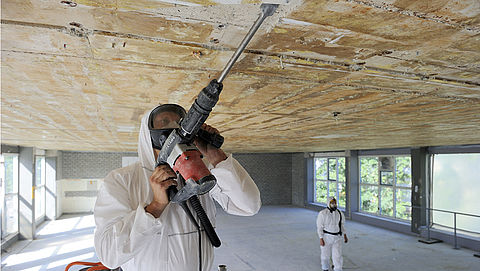 Koophuis blijkt asbest te bevatten: wat moet je doen?}