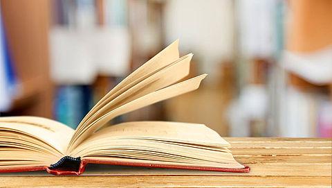 Jongeren besteden steeds minder tijd aan lezen