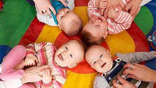 Kinkhoestprik verplicht bij werken met baby's