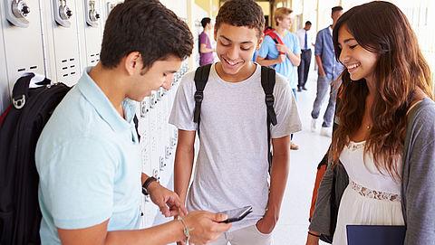 'Middelbare scholieren hebben moeite met afstand houden'