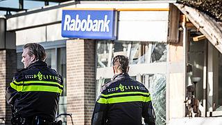 Rabobank overweegt verwijdering pinautomaten vanwege plofkraken