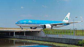 KLM verplicht dragen van gezichtsbescherming tijdens vluchten