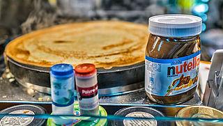 Amsterdam zet mes in Nutellawinkels en ijssalons