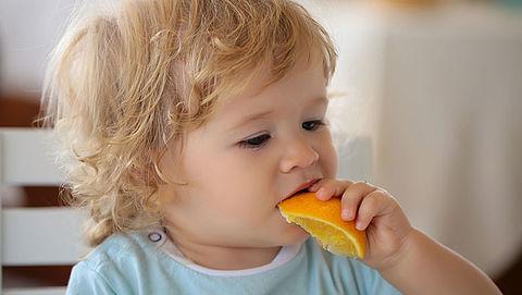 Meerderheid jonge kinderen eet onvoldoende fruit}
