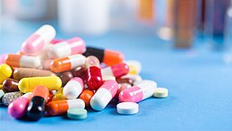 Tien jaar medicijnen slikken, zonder controle tussendoor: is het niet tijd voor een jaarlijkse medicatie-APK?