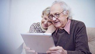 Ouderen zijn verplicht internetten zat
