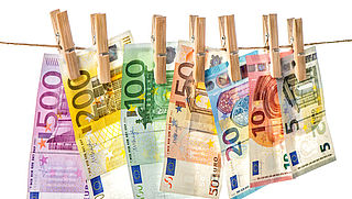 Kabinet gaat contante betalingen boven 3000 euro verbieden