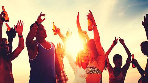 Pubers drinken stug door ondanks minimumleeftijd