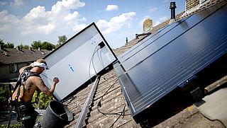 17 miljoen zonnepanelen vervangen asbestdaken