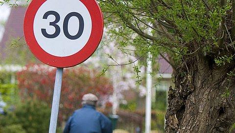 30 km/u mag op meer plekken worden ingevoerd (óók voor fietsers)