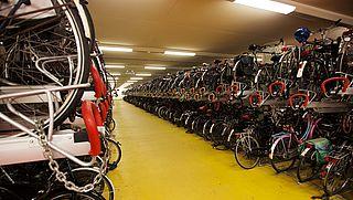 NS en ProRail gaan experimenteren met grotere fietsrekken