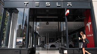 Deel auto's Tesla toch te laat geleverd
