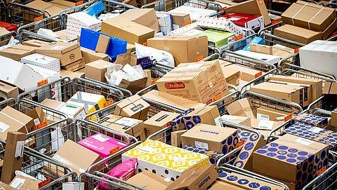 PostNL kan stroom pakketjes niet meer aan, Blokker grijpt in