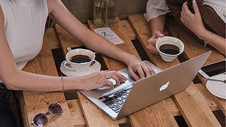 "Apple roept aantal 15""-MacBook Pro's terug om oververhitting accu"