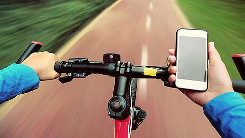 Bevolking voor verbod appen op de fiets}