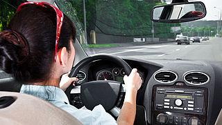 Wat betekenen de lampjes op het dashboard van je auto?