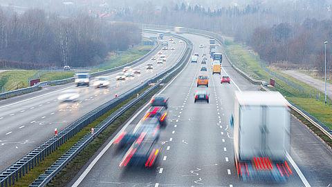Meerderheid dagelijkse weggebruikers zegt 130 te blijven rijden