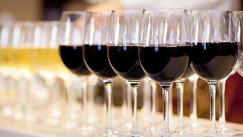Is alcohol echt zó slecht? Vijf deskundigen aan het woord}