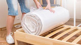 Matras terugsturen na verwijderen van beschermfolie is toegestaan