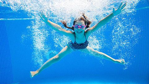 Populair Deventers buurtzwembad in voortuin moet dicht