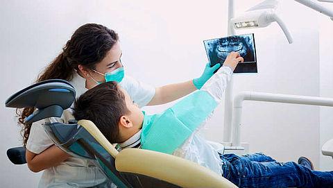'Tandarts maakt te snel röntgenfoto van kindergebit'