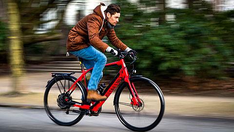 Minister Schultz: 'Verplicht richtingaanwijzers op snelle e-bike'