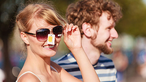 Beschermt een goedkope zonnebril je ogen net zo goed als een dure?