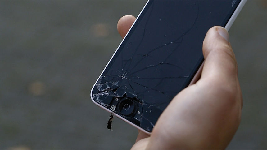 Wonderbaarlijk Grote verschillen in prijs en kwaliteit bij reparatie smartphone YZ-56
