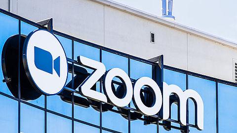 Zoom gaat videovergaderingen beschermen tegen hackers