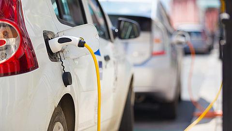 Kan Nederland een toename van het aantal elektrische auto's wel aan?