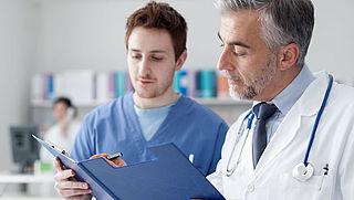 Instanties vragen patiënten te vaak om medisch dossier