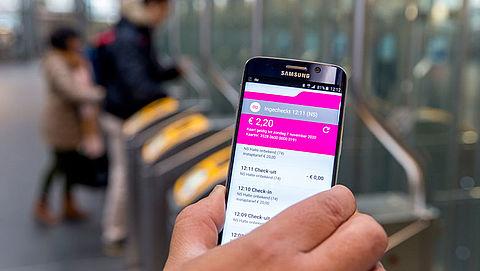 'Inchecken OV met smartphone verloopt waardeloos'}
