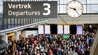 Schiphol: zorg dat je op tijd bent tijdens meivakantie vanwege drukte