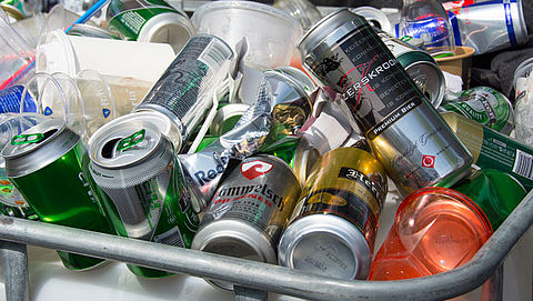 'Voer statiegeld in op alle blikjes en plastic flessen'