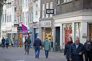 'Kabinet moet leegloop winkelstraten onderzoeken'