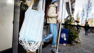 Keurmerk voor mondkapjes: 'Deze mondkapjes houden 70 procent virusdruppeltjes tegen'