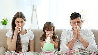 'Besmettingen binnen gezin gehalveerd na één coronaprik'