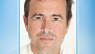 Proef met gezichtsherkenning op Schiphol
