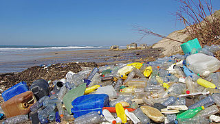 Petitie tegen Coca-Cola: 'Produceer geen flessen van wegwerpplastic'