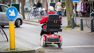 50PLUS: 'Laat scootmobiel-gebruiker verplicht cursus volgen'