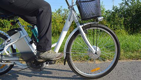 Fietsen op e-bike niet gevaarlijker dan op normale fiets