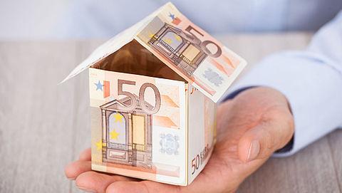 Vier grootste banken verlagen hypotheekrente  }