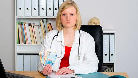 Medisch specialisten krijgen miljoenen van farmaceuten