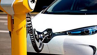 Verkoop elektrische auto's verdrievoudigd