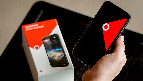 Telecomreuzen voor de rechter gesleept om 'gratis' mobieltjes