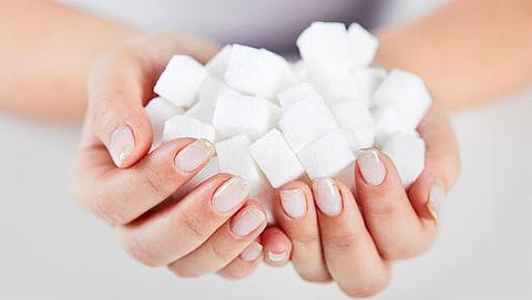 Nederlanders eten nog steeds veel te veel suiker en zout}