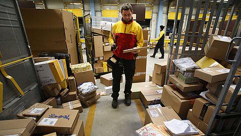 Veel klachten over DHL: wachten tot je een ons weegt op de pakkettenchauffeur