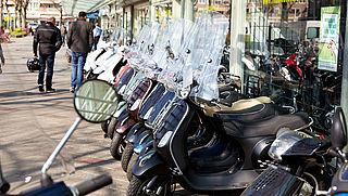 Gemeenten pleiten ook voor verplichte helm op snorfiets